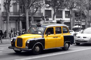 Rent apartments in Barcelona | Typical Barcelona taxi